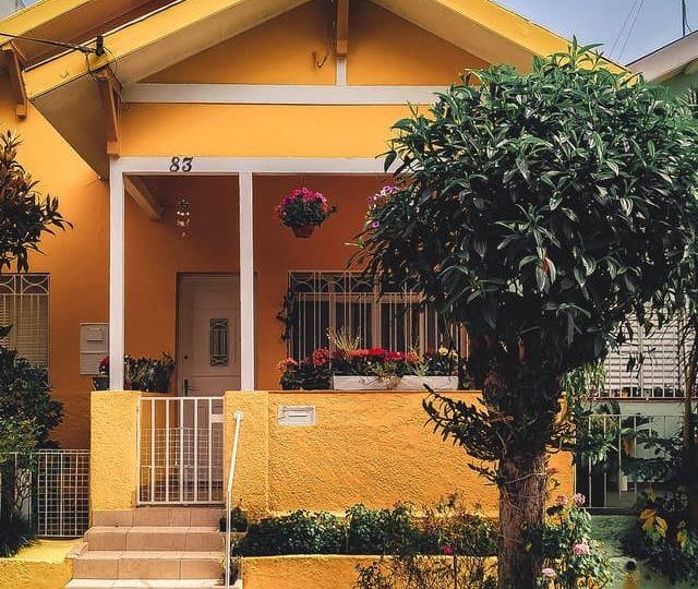 yellow-concrete-house-2102587 (1)